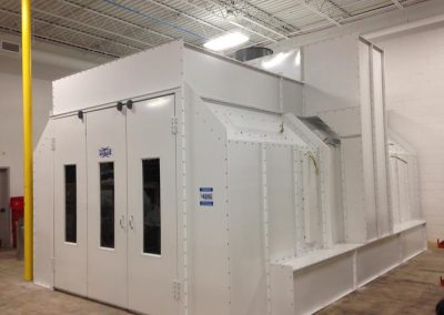 Side Down Draft Auto Booth